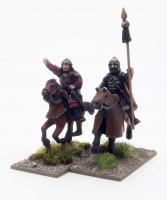 AVR02 Avar Young Chief & Standard Bearer