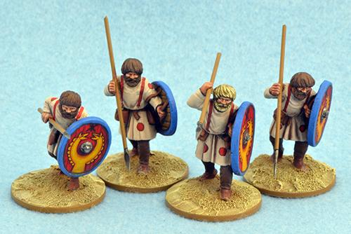 LR14 Late Roman Unarmoured Infantry (Advancing) (4)